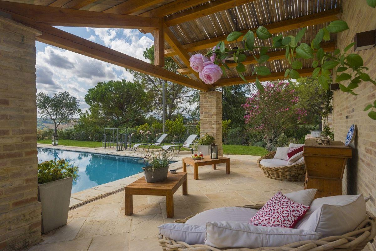 Grazie alla nostra esperienza trentennale possiamo - Case bellissime con piscina ...