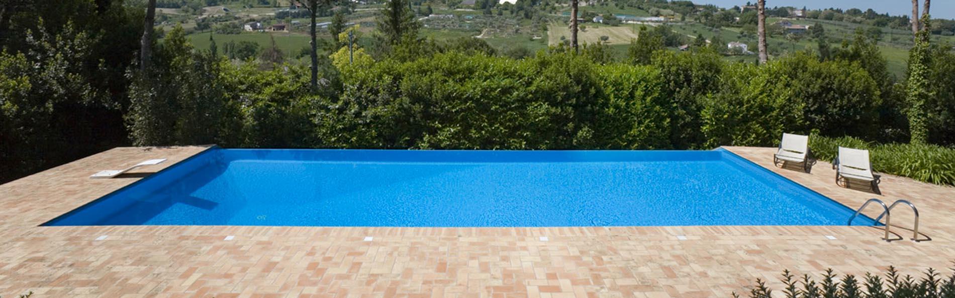 Piscine a sfioro professione piscina - Invisible edge pool ...