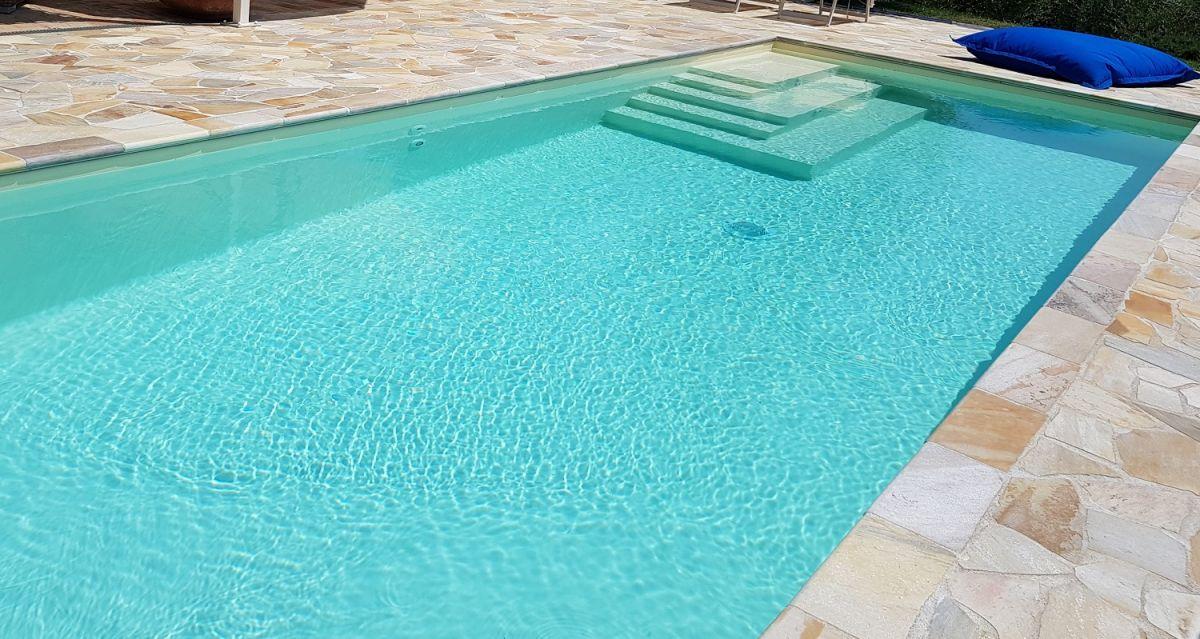 Rivestimento piscina tipologie e colori professione piscina - Rivestimento piastrelle per piscine ...