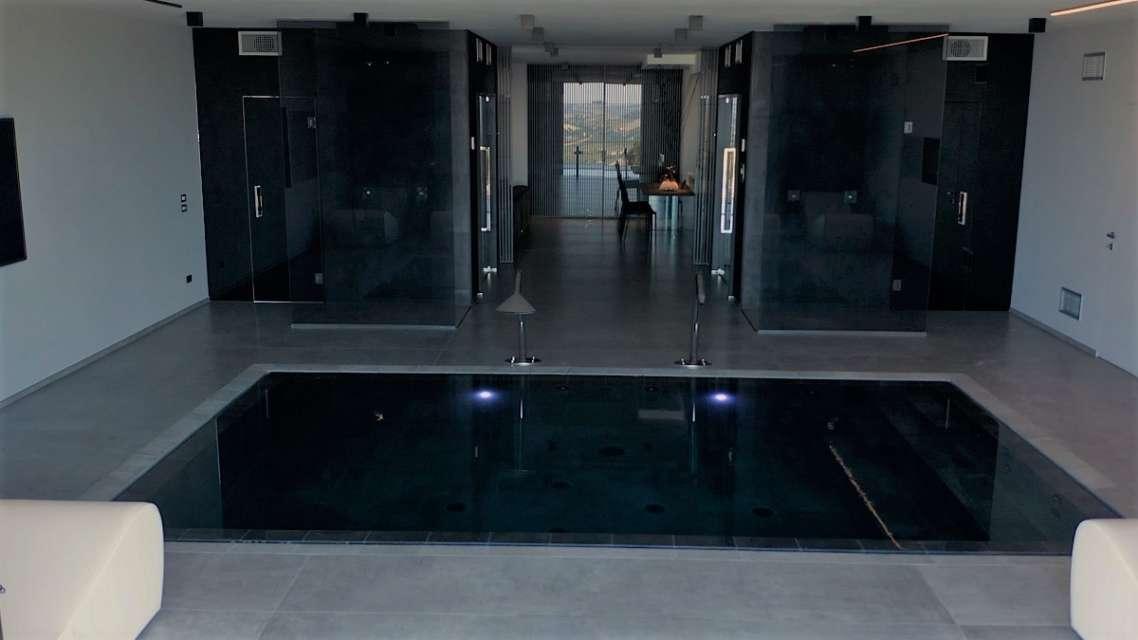 piscina interna dal drone