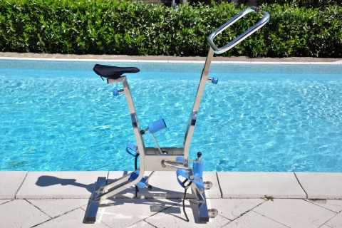 cyclette da immersione per piscina