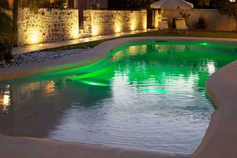 piscina illuminazione