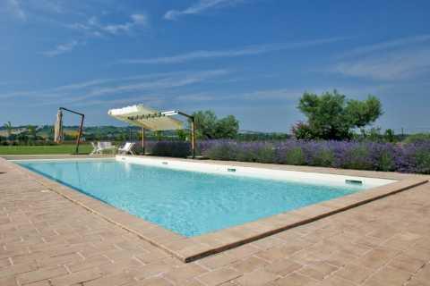 Piscine a skimmer professione piscina - Costo piscina interrata prefabbricata ...