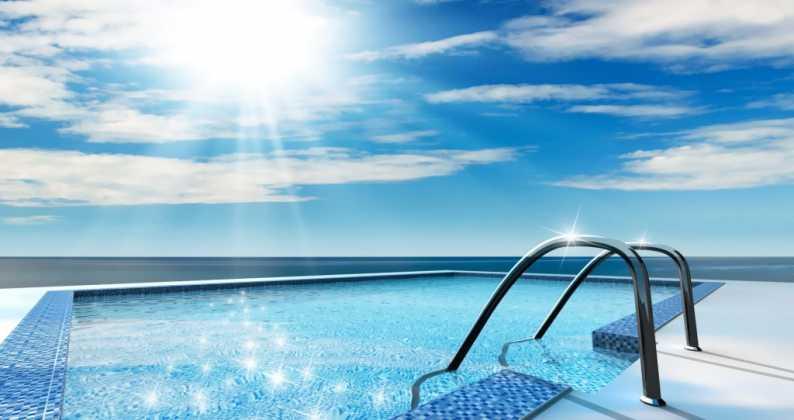 acqua calda in piscina