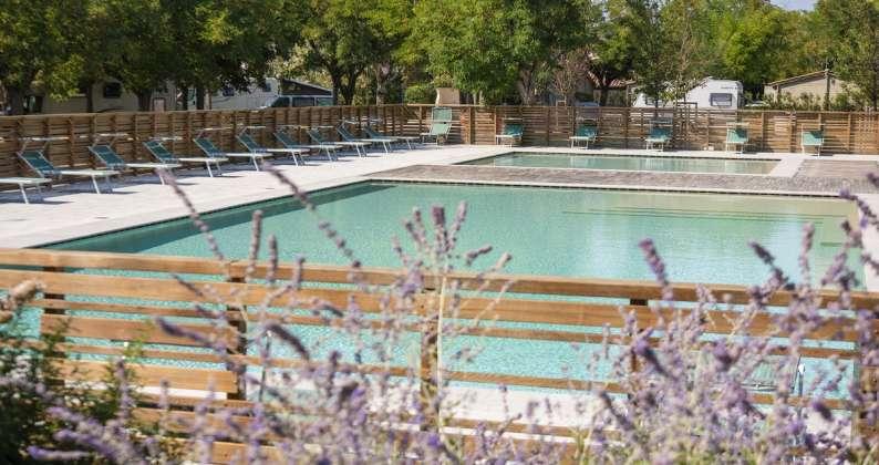 piscina a sfioro Conero Azzurro