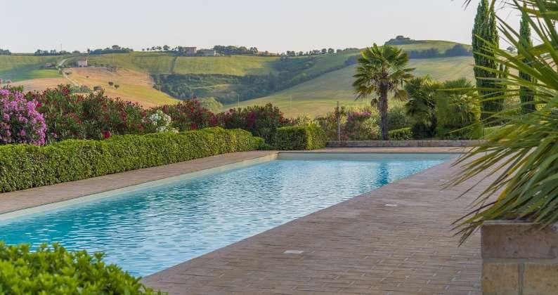 piscina a sfioro Recanati