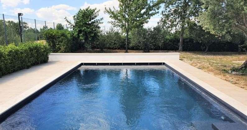 trasformare piscina a skimmer in piscina a sfioro