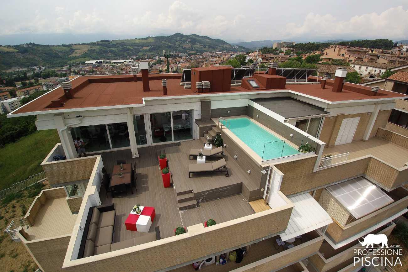 Stunning Piscina Su Terrazzo Ideas - Idee Arredamento Casa ...